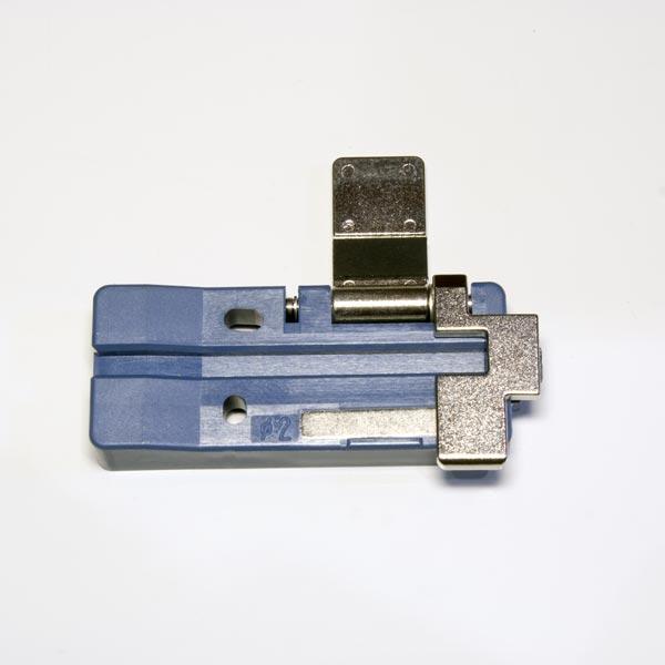 FH-FC-20 : Зажим волокна (для оболочки 2 мм)