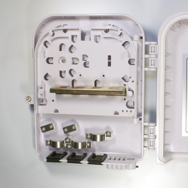 HTTB-X30A : Кросс оптический настенный с возможностью установки сплиттера 1x8 (FTTH-108)