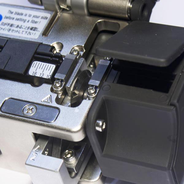 : Прецизионный оптический скалыватель