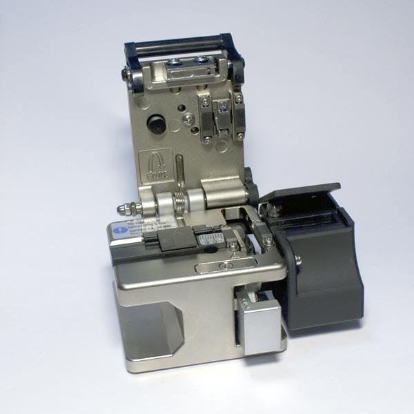 Компания «КивиТех» начинает производство прецизионных оптических скалывателей KIWI-6320