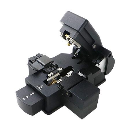 Компания «КивиТех» представляет новый скалыватель оптических волокон KIWI-6332